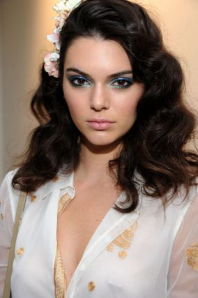 kendall-jenner-dvf-blue-green-eyes-w540